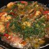 エビとマッシュルームのアヒージョを作ったよ!ガーリックの効いたオリーブオイルが美味い!