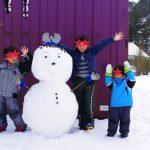 まだまだ雪の残る、るり渓で雪だるまを作ってきたよ!
