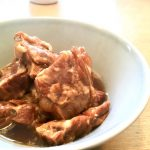 まるで餅のように濃厚なめらか、トロトロに煮込んだ豚バラ軟骨がウマすぎる!!